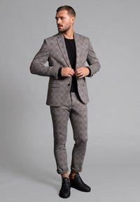 WORMLAND - JARRETT - Suit jacket - braun - 1