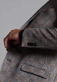 WORMLAND - JARRETT - Suit jacket - braun - 4