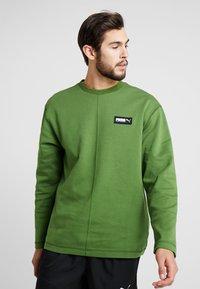 Puma - FUSION CREW - Sweatshirt - garden green - 0