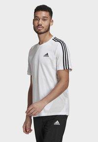adidas Performance - T-shirt imprimé - white/black - 2