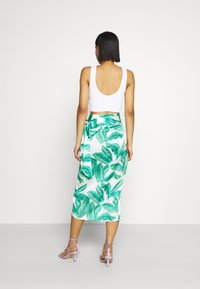 Never Fully Dressed - MULTI USE BANANA LEAF JASPRE - Pencil skirt - green - 2