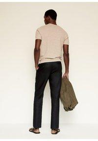 Mango - Trousers - schwarz - 2