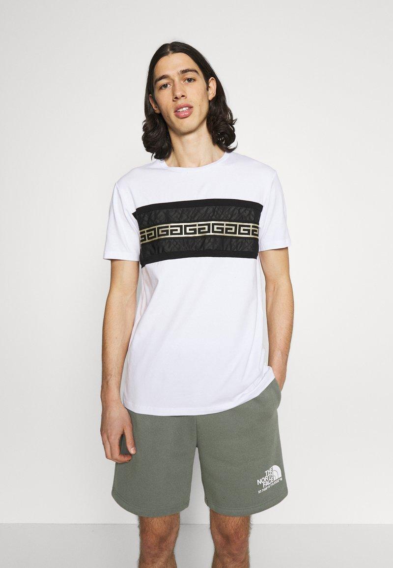 Glorious Gangsta - RAMON TEE - Print T-shirt - optic white