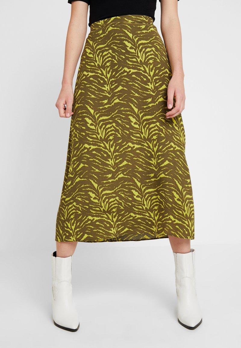 KIOMI - Maxi skirt - oliv/green