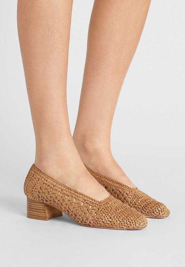 NOA - Classic heels - legno