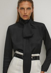 Massimo Dutti - WITH TIE DETAIL  - Blouse - black - 3