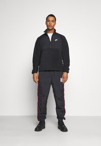 Nike Sportswear - WINTER - Forro polar - black - 1