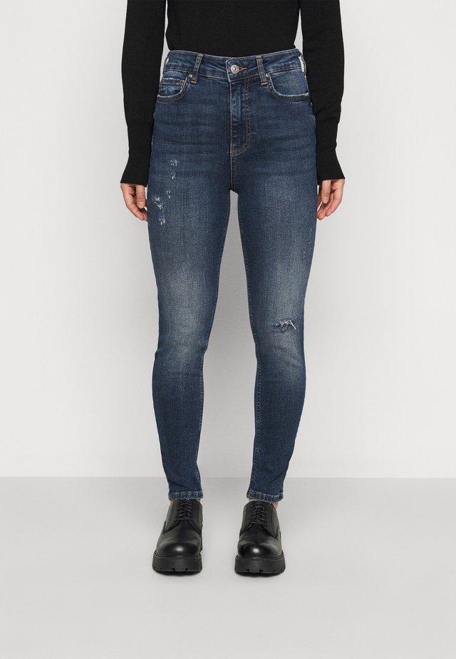 PCZELMA - Jeans Skinny Fit - medium blue denim