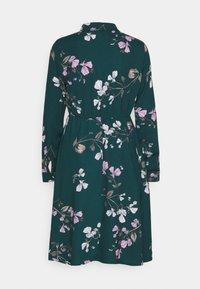 Vero Moda - VMANNIE DRESS - Vestido camisero - ponderosa pine - 1