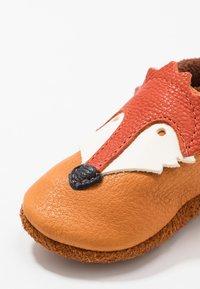 POLOLO - FUCHS SET - First shoes - castagno/orange - 2
