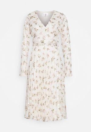 Day dress - ivory