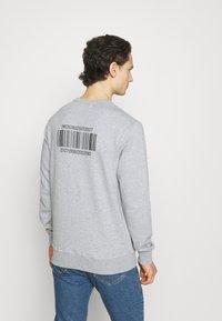 YAVI ARCHIE - BARCODE - Sweatshirt - grey - 2