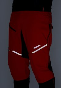 Vaude - MENS VIRT PANTS II - Outdoor trousers - mars red - 6