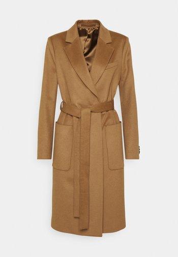 RIMINI - Classic coat - dark honey