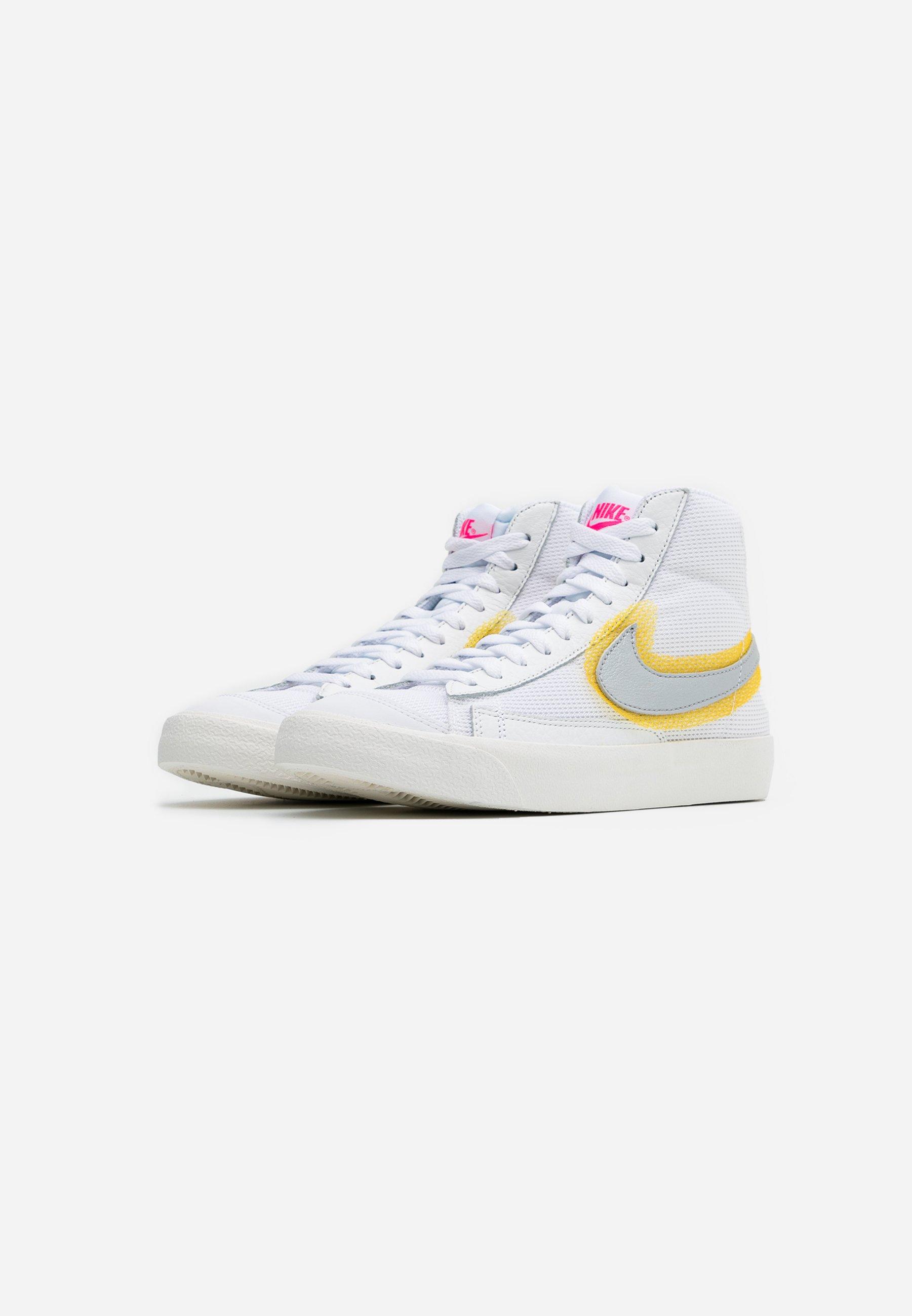 Nike Sportswear Blazer 77 - Sneakers High White/metallic Sliver/university Gold