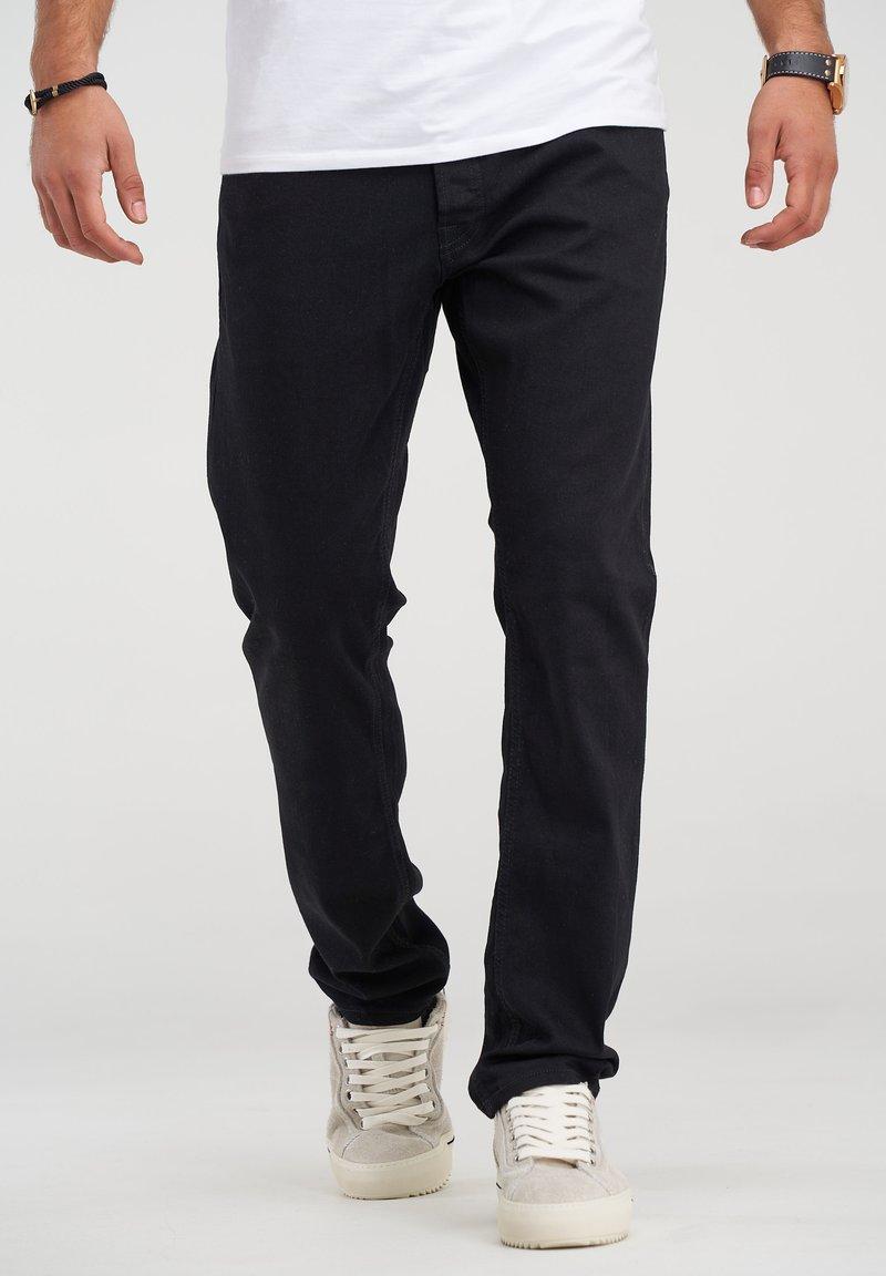 Jack & Jones - CLARK JJARIS  - Straight leg jeans - black denim