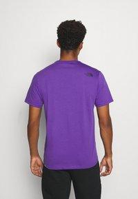 The North Face - M S/S EASY TEE - EU - T-shirt med print - peak purple - 2