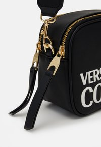 Versace Jeans Couture - CAMERA BAG  - Across body bag - nero - 4