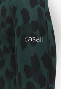 Casall - ICONIC PURE - Medias - pure dark green - 4