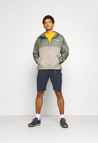 The North Face - CYCLONE ANORAK - Outdoor jacket - olive/grey - 1