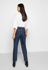 Weekday - MEG HIGH MOM WASHED BACK - Jeans straight leg - win blue - 2