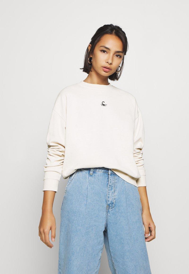 Topshop Petite - SCORPIO - Sweatshirt - off-white