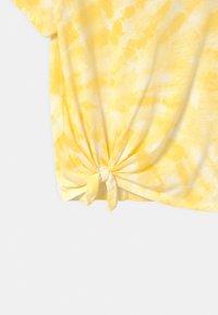Abercrombie & Fitch - Triko spotiskem - yellow - 2