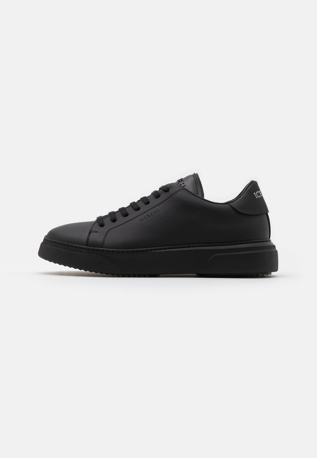 PHANTOM - Trainers - black