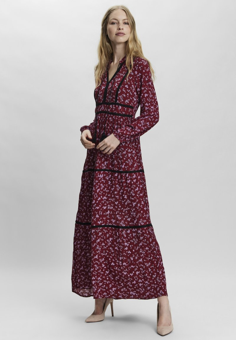 Vero Moda - ANCLE - Maxi dress - tibetan red