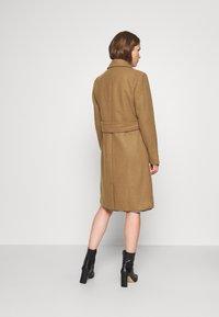 Karen by Simonsen - Klasický kabát - brown sugar - 2