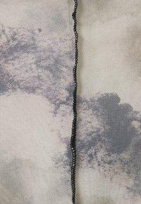 Missguided Petite - CONTRAST STITCH PRINTED CROP  - Topper langermet - multi - 2