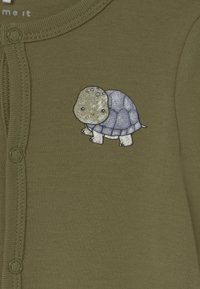 Name it - NBMNIGHTSUIT LODEN TURTLE 2 PACK - Sleep suit - loden green - 3