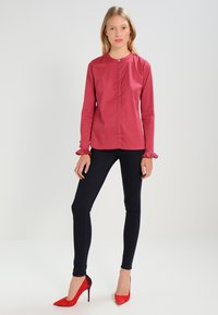 Mos Mosh - MATTIE - Button-down blouse - cherry - 1