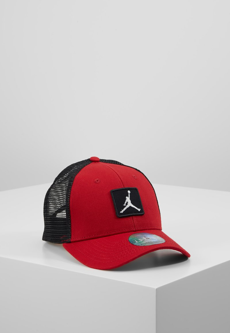 Jordan - TRUCKER - Lippalakki - gym red