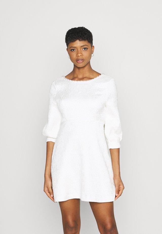 ALICE BOW MINI DRESS - Sukienka koktajlowa - ivory