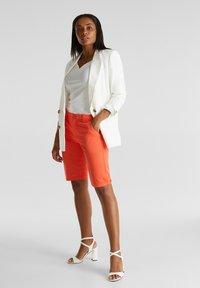 Esprit - Shorts - coral - 1