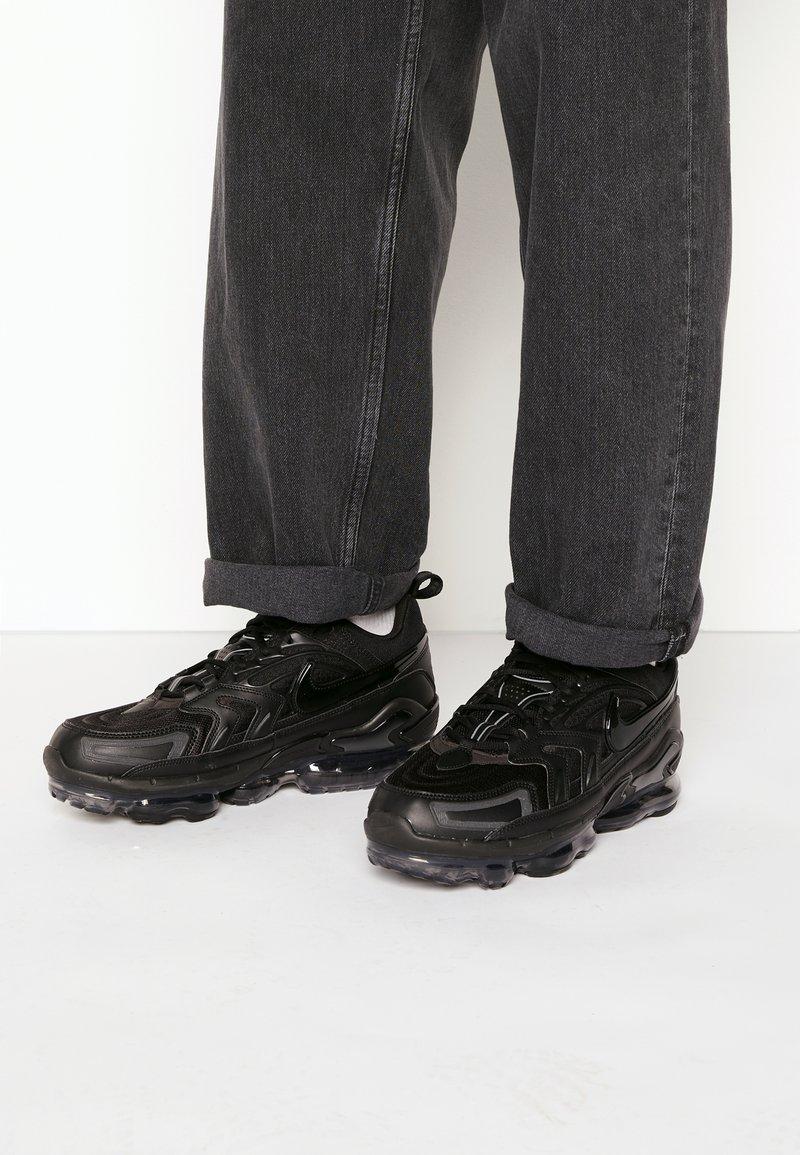 Nike Sportswear - AIR VAPORMAX EVO UNISEX - Baskets basses - black