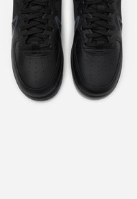 Nike Sportswear - AIR FORCE 1 REACT - Sneakers - black/anthracite - 4