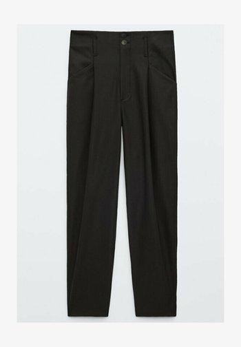 AUS FUNKTIONSSTOFF - Pantalon classique - black