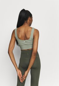 Cotton On Body - SCOOP NECK VESTLETTE - Top - basil green rib - 2