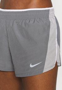 Nike Performance - 10K SHORT - Short de sport - gunsmoke/atmosphere grey/vast grey/wolf grey - 4