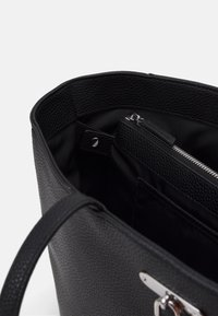 Calvin Klein - LAP SLEEVE SET - Cabas - black - 4