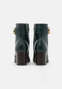 Tamaris - BOOTS - Classic ankle boots - bottle - 3