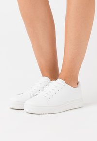 Rubi Shoes by Cotton On - AIDAN  - Trainers - white - 0