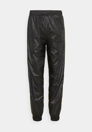 PUT ON TRACK PANTS - Kalhoty - black/army