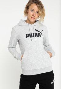 Puma - ESS LOGO HOODY  - Hoodie - light gray heather - 0