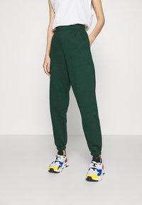 New Look - CUFFED JOGGER - Pantalon de survêtement - dark green - 0