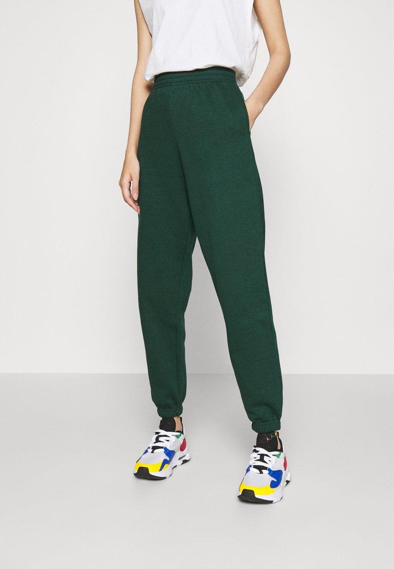 New Look - CUFFED JOGGER - Pantalon de survêtement - dark green