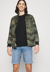 Tommy Jeans - REGULAR C NECK - Collegepaita - black - 3