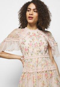 Needle & Thread - EMMA DITSY MINI DRESS - Koktejlové šaty/ šaty na párty - strawberry icing - 4